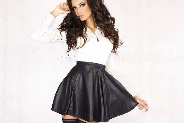 Девушки в платьях и юбках фото