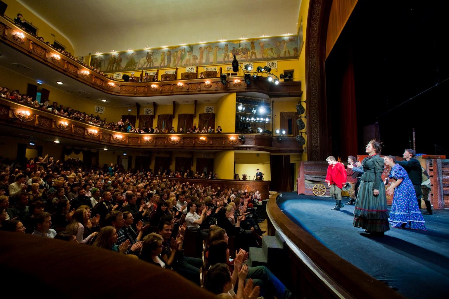 Всемирный день театра в 2018 году - дата, когда отмечают, ис.