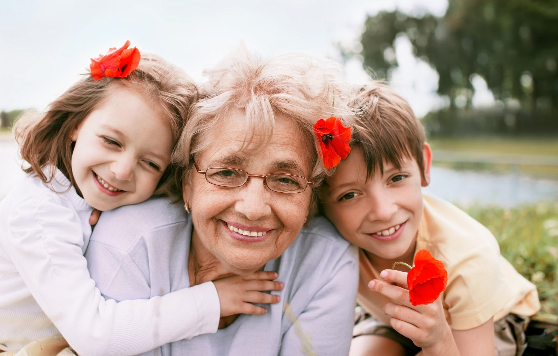 Старуха учит внука любви 3 фотография