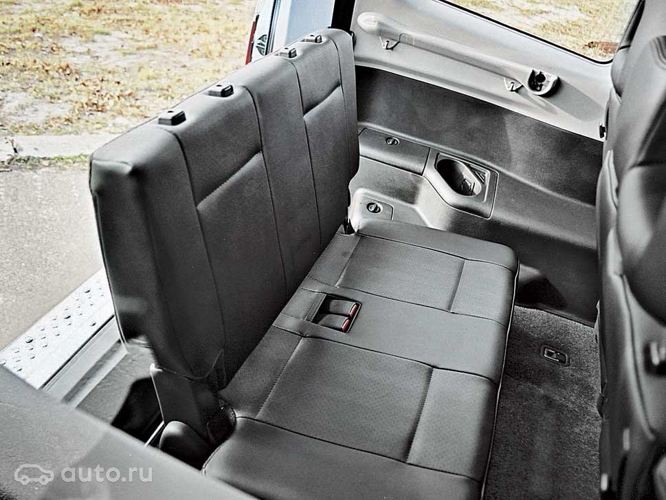 Mitsubishi pajero багажник pajero предлагает 3 варианта компоновки: со сложенными сиденьями объем багажника