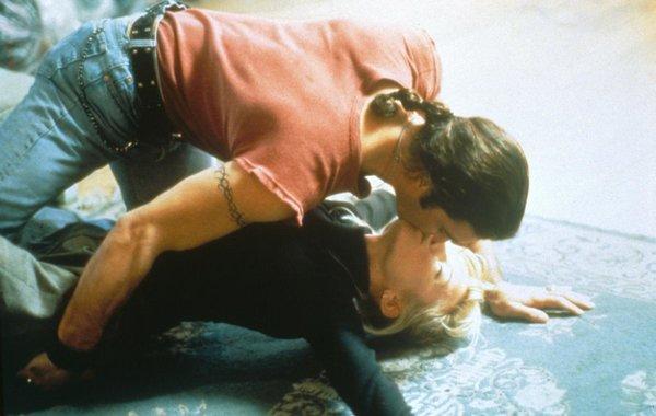 korotkometrazhnie-filmi-eroticheskogo-seriala-neznakomtsi
