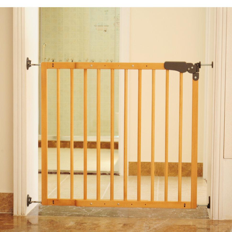 Чем закрыть лестницу от детей своими руками 490