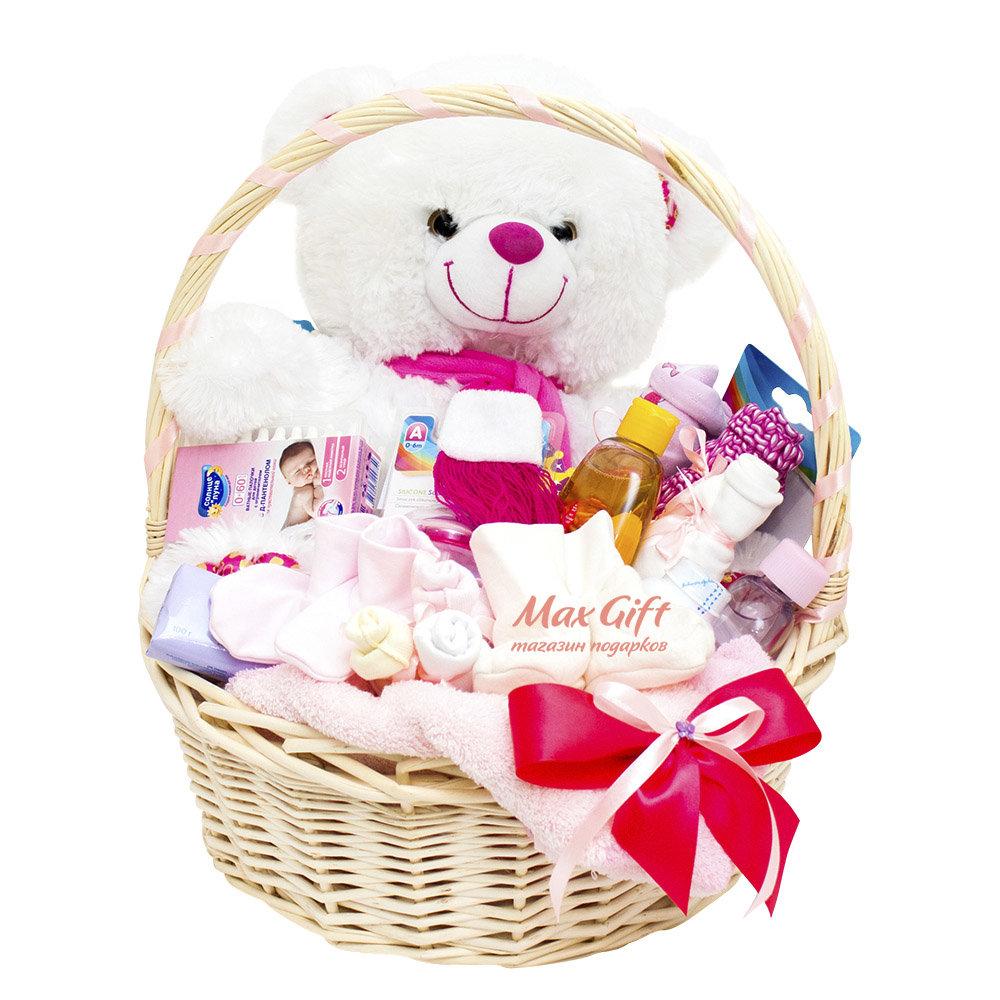 Корзинка с подарками для новорожденных 78