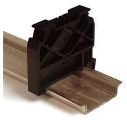 Торцевая и разделительная пластина (изолятор) для клеммного блока DKC ZBT007