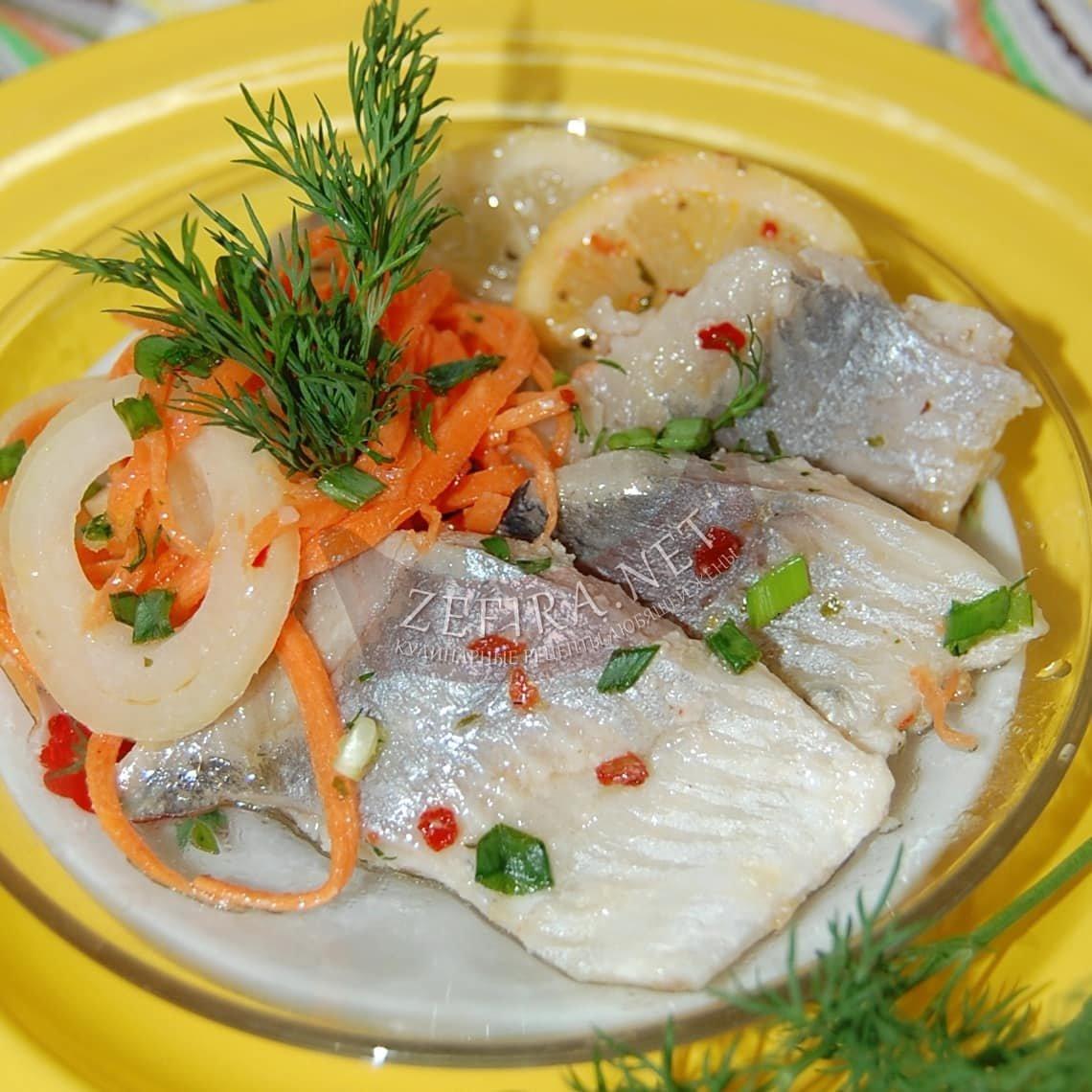 Маринованная селедка с луком рецепт пошагово в