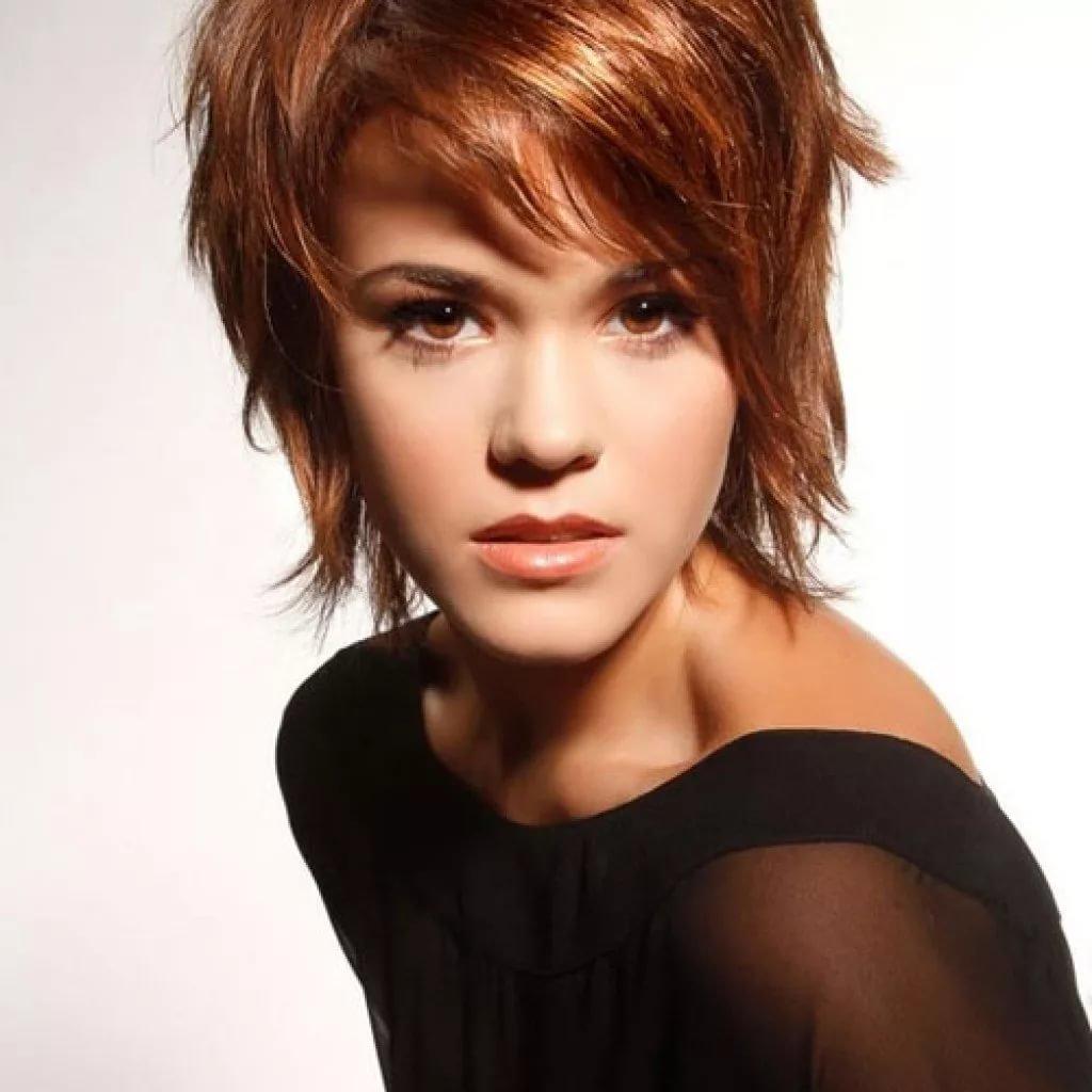 Средне короткие причёски женские фото