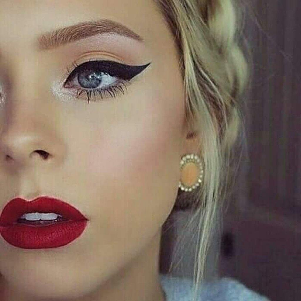 Идея макияжа со стрелками фото