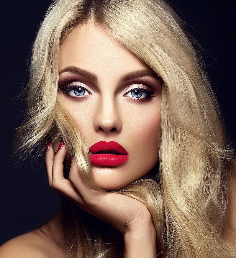 Блондинки с красивым макияжем