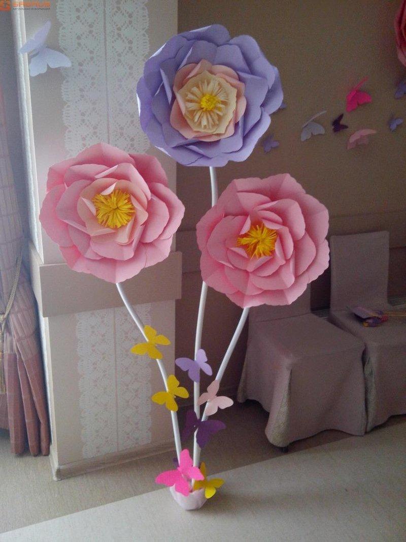 Как сделать из бумаги большие цветы для оформления