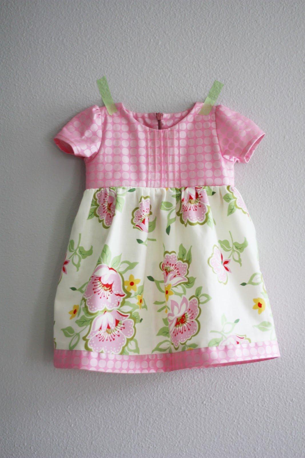17 самых миленьких платьев для малышек со всего интернета, сшитых своими