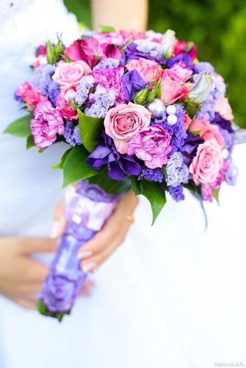 Свадебный букет с сиреневыми цветами