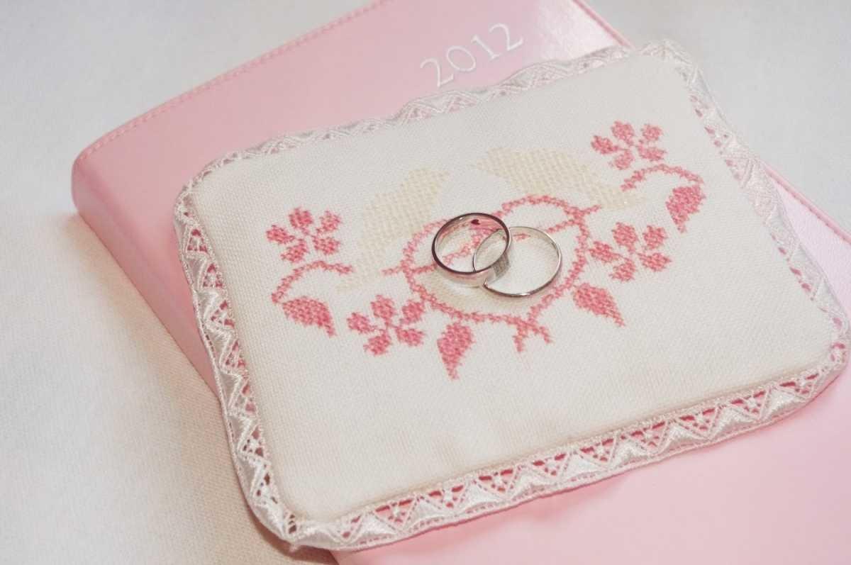 Кольцо с вышивкой крестом 19