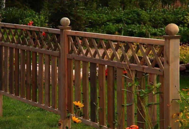 Декоративный забор из штакетника своими руками 70