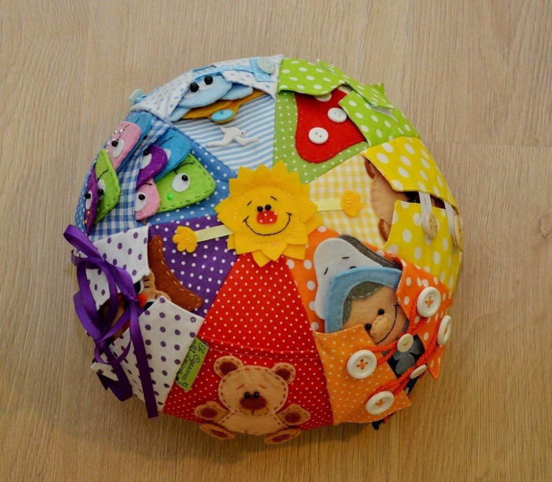 Игрушки для малышей своими руками из ткани фото