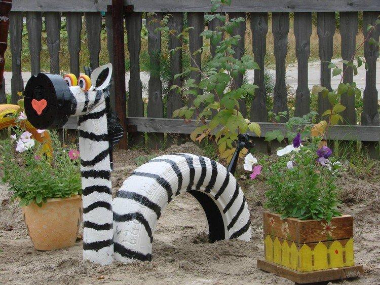 Садовые поделки своими руками с фото 287