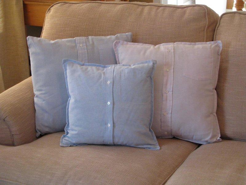 Как оформить диванные подушки