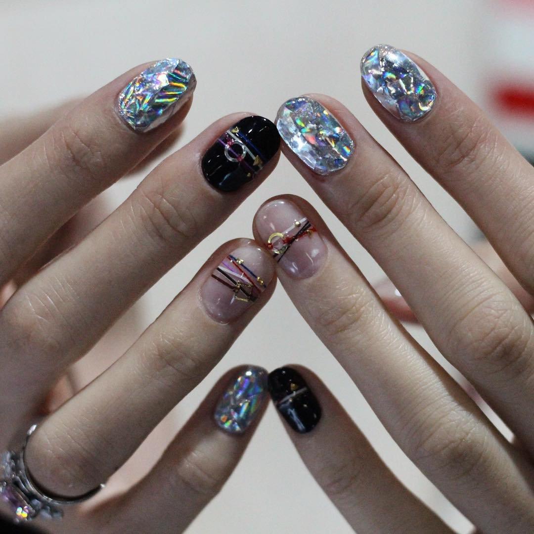 Самые модные ногти рисунки. фото