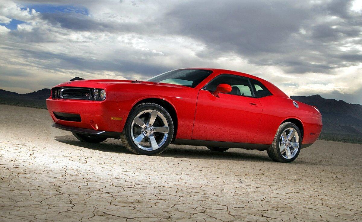 красный спортивный автомобиль Dodge Challenger red sports car  № 728283 без смс