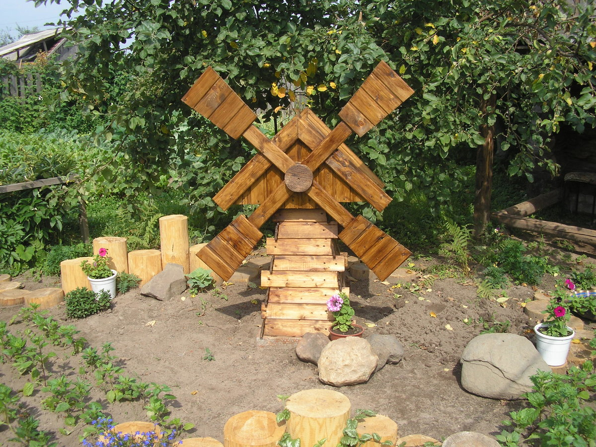 Декор из дерева своими руками для сада фото