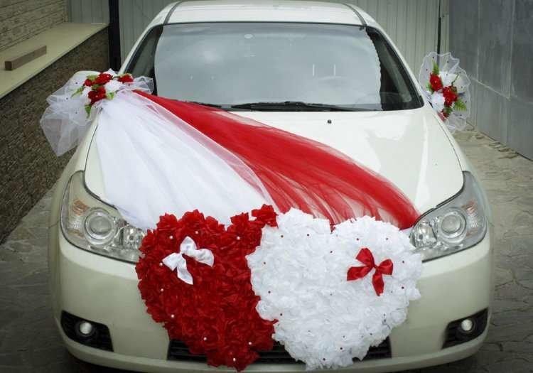 Декор автомобиля лентами