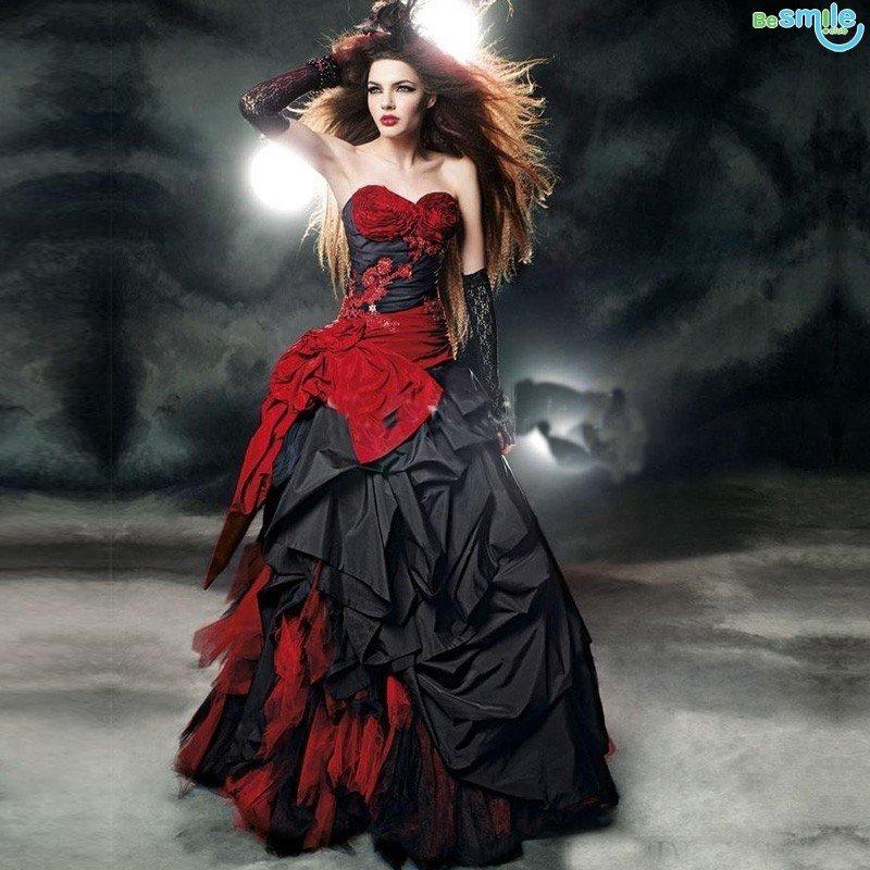 Фото образа красно черного платья