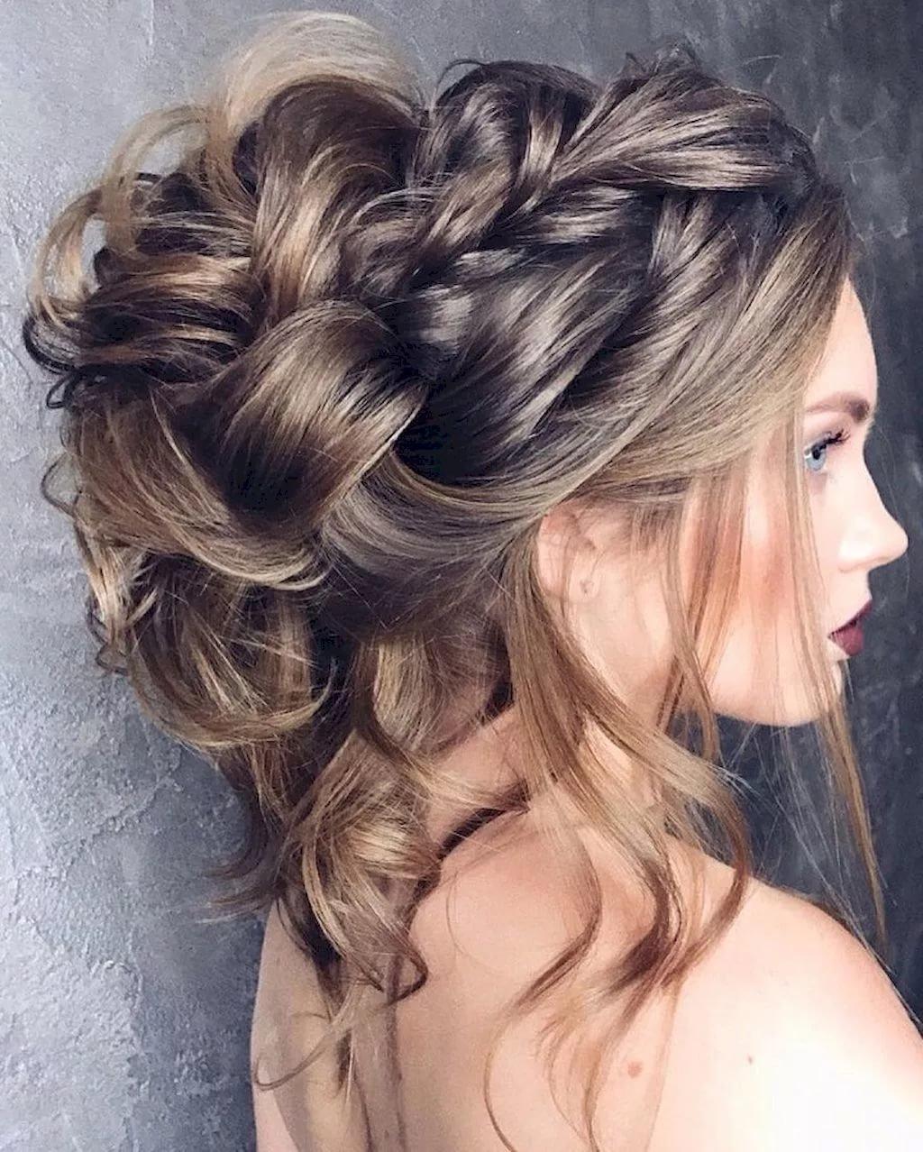 Красивая прическа на пышные волосы