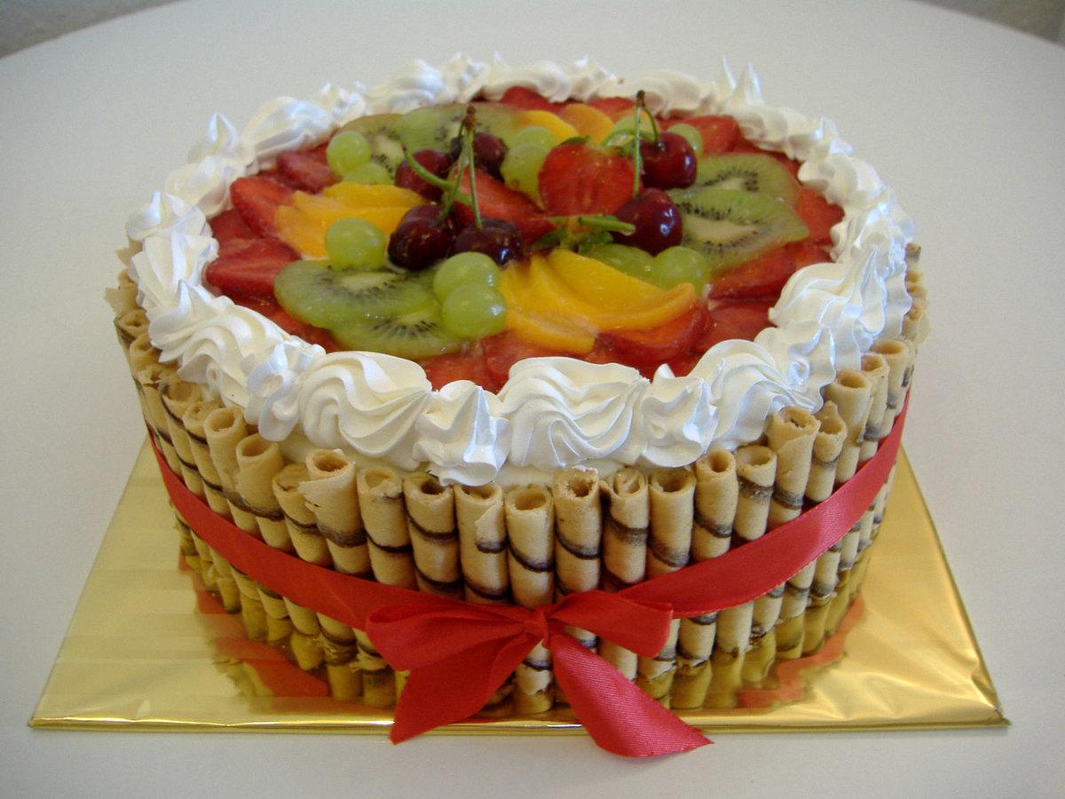 Как красиво украсить детский торт фруктами в домашних условиях фото