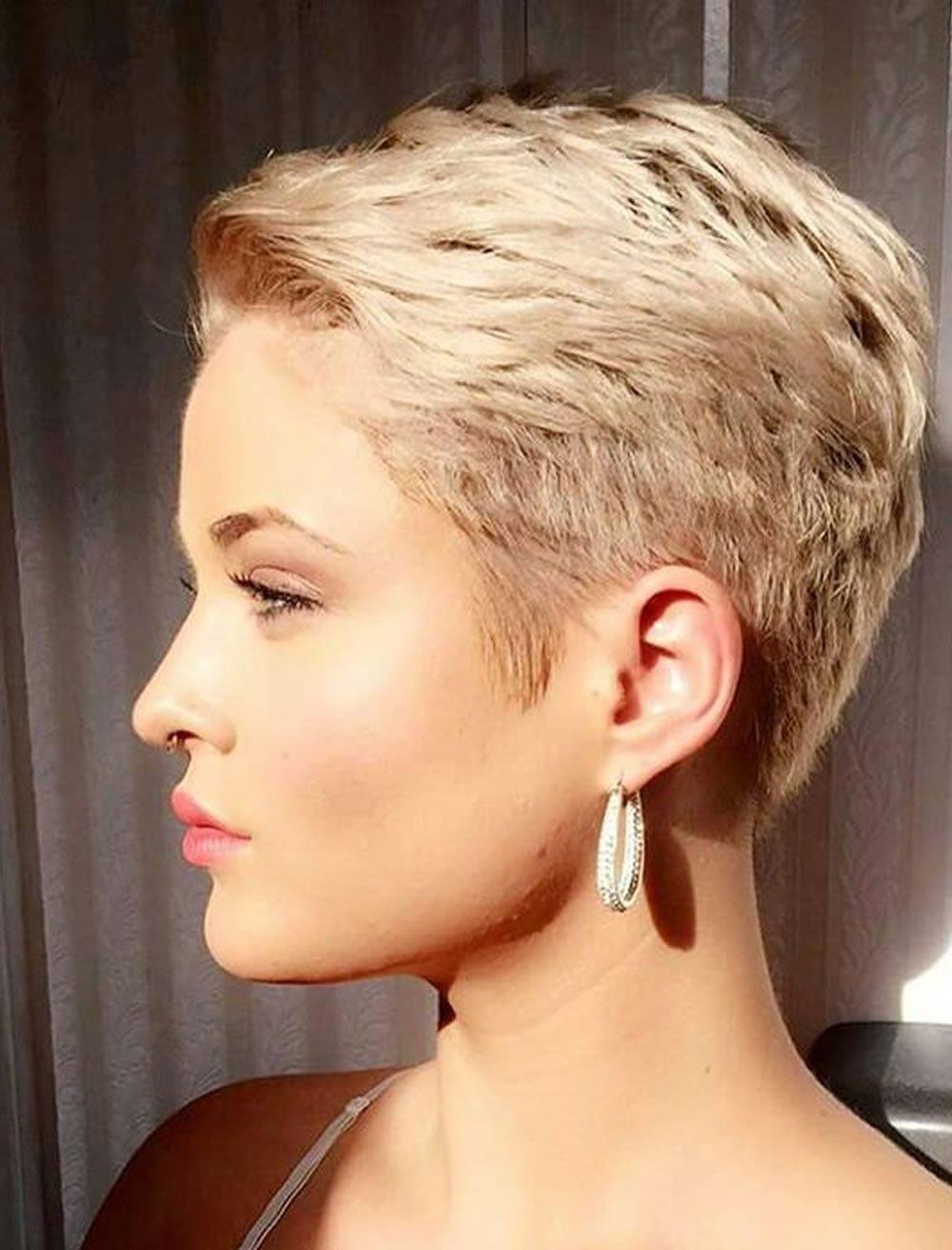 Модные прически 2018 женские короткие волосы фото