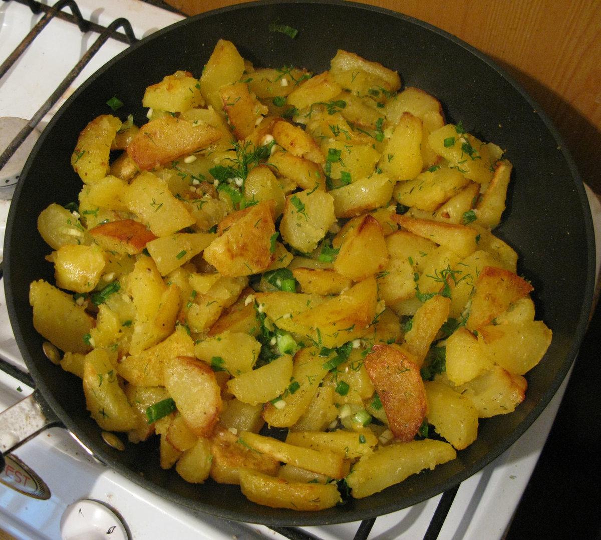 Картошка в молоке жареная на сковороде рецепт пошагово