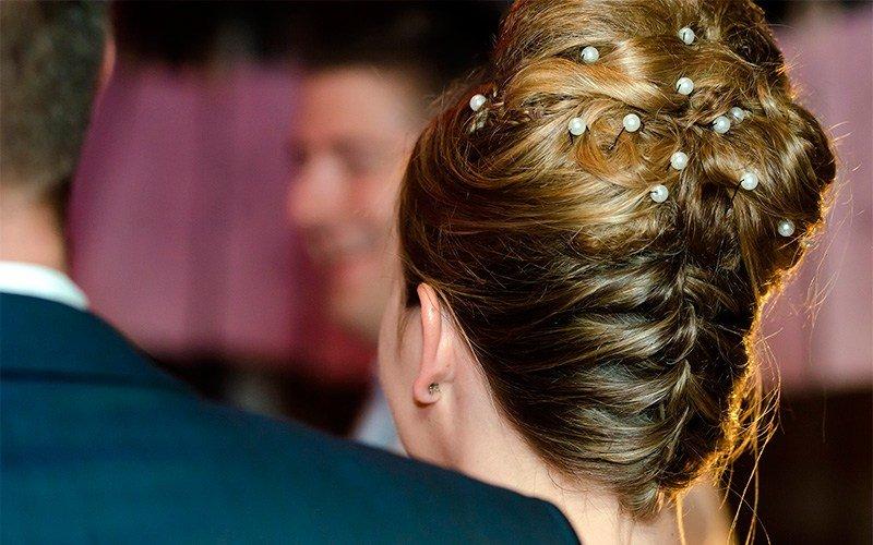 Прически ракушка с распущенными волосами
