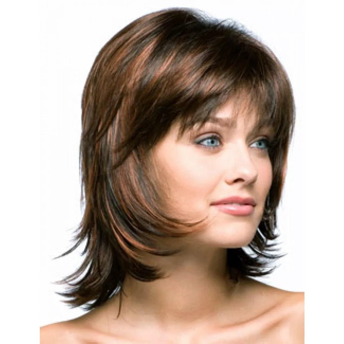 Прически распущенные волосы с длинной челкой фото