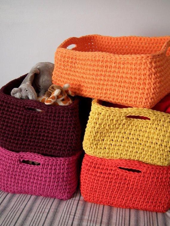 Вязаные корзины для хранения своими руками 87
