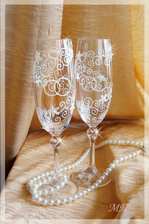 Свадебные бокалы с росписью своими руками