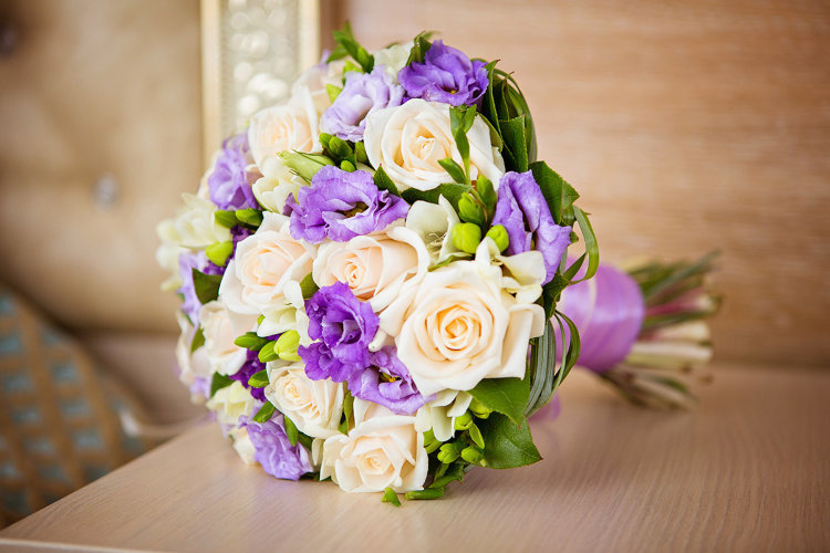 Букеты с фиолетовыми цветами