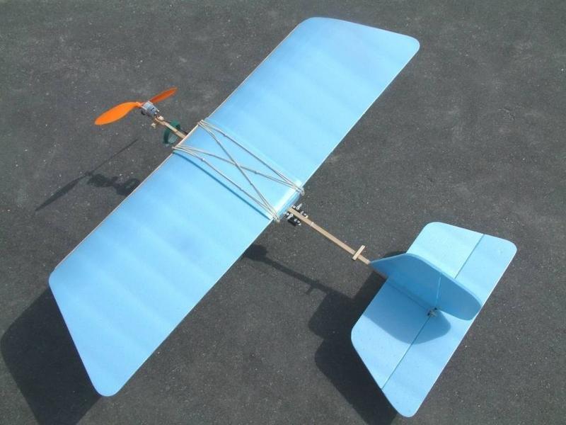 Сделать сам самолет с моторчиком своими руками 541