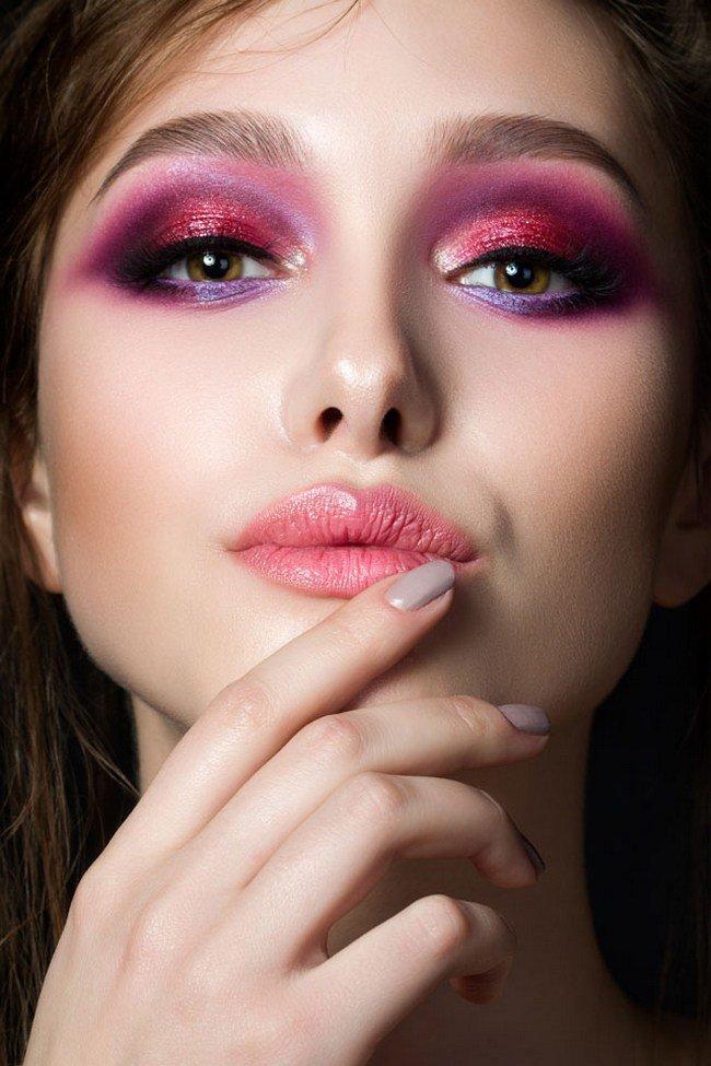 Как сделать в макияже яркие глаза 461