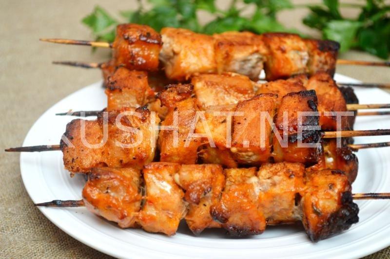 Шашлык из свинины в духовке на шпажках рецепт с фото