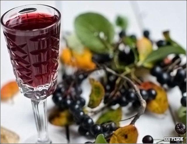 Вино из ягод черной смородины в домашних условиях 70