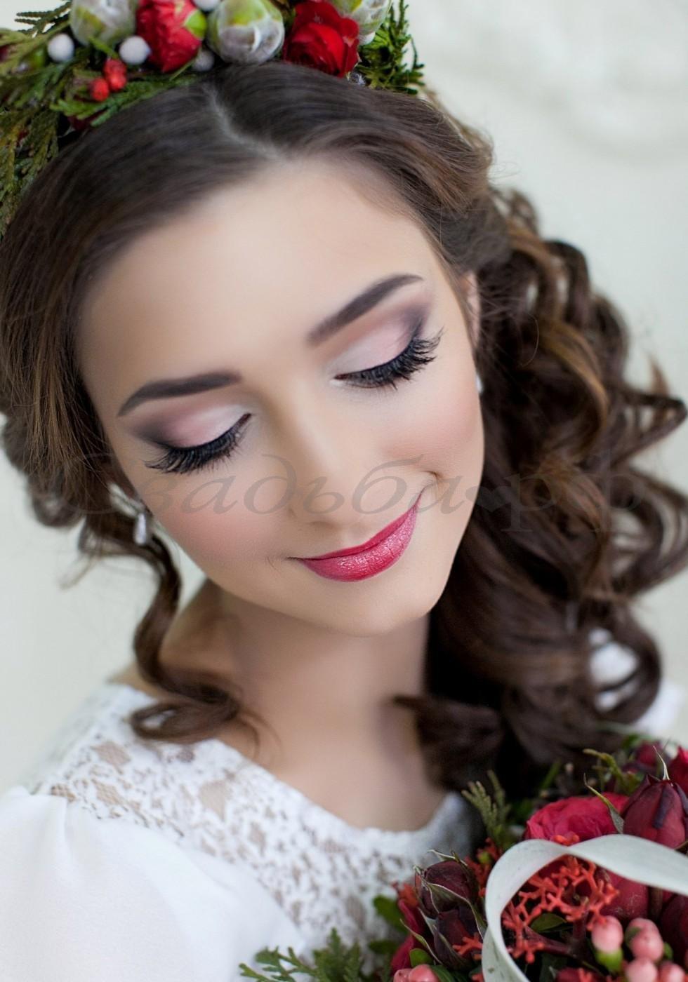 Прически и макияж на свадьбу цена