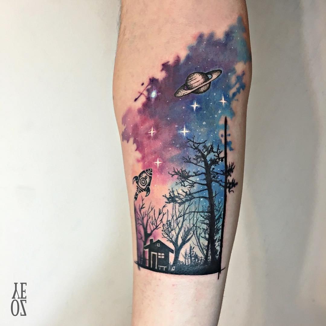 Тату на руке звездное небо