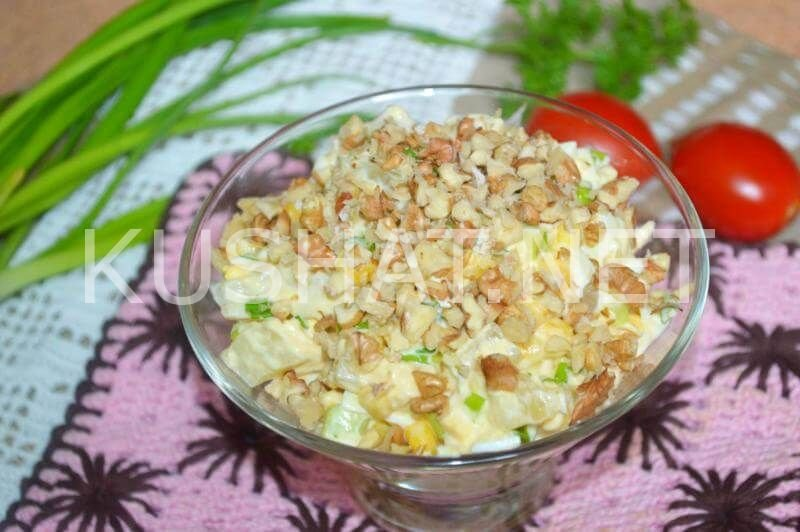 Салат из копченой курицы с ананасами слоями пошаговый рецепт