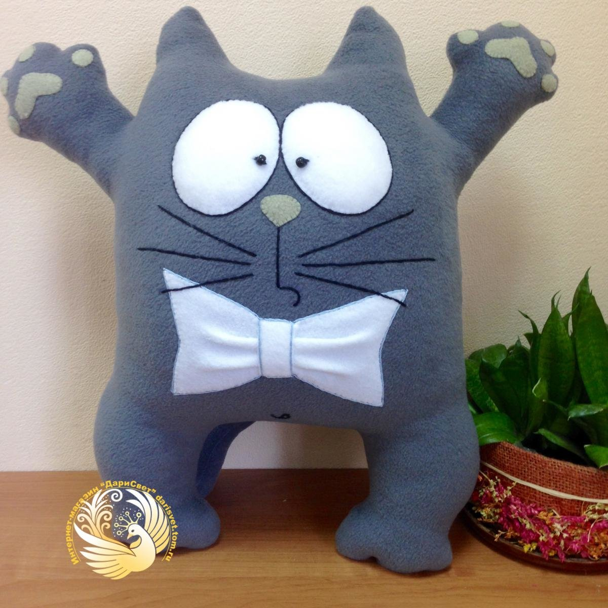 Подушка-кот своими руками картинка