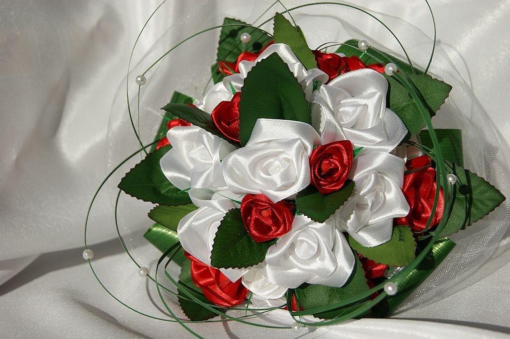 Букет невест из атласных лент своими руками 899