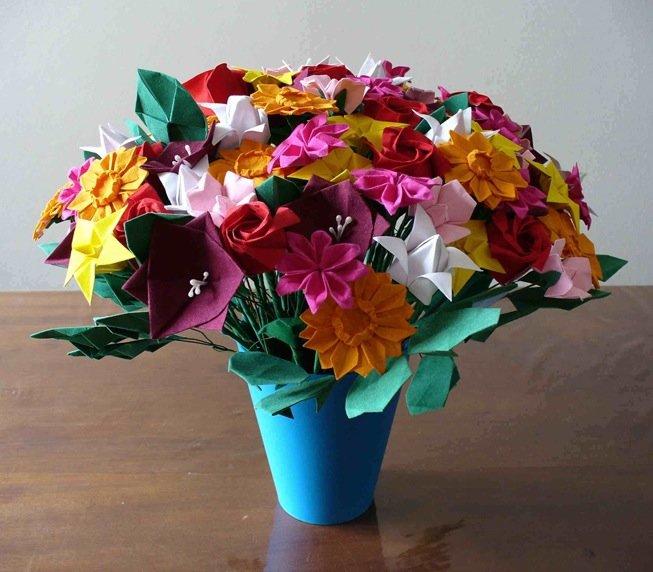Как сделать цветы в вазе своими руками из бумаги