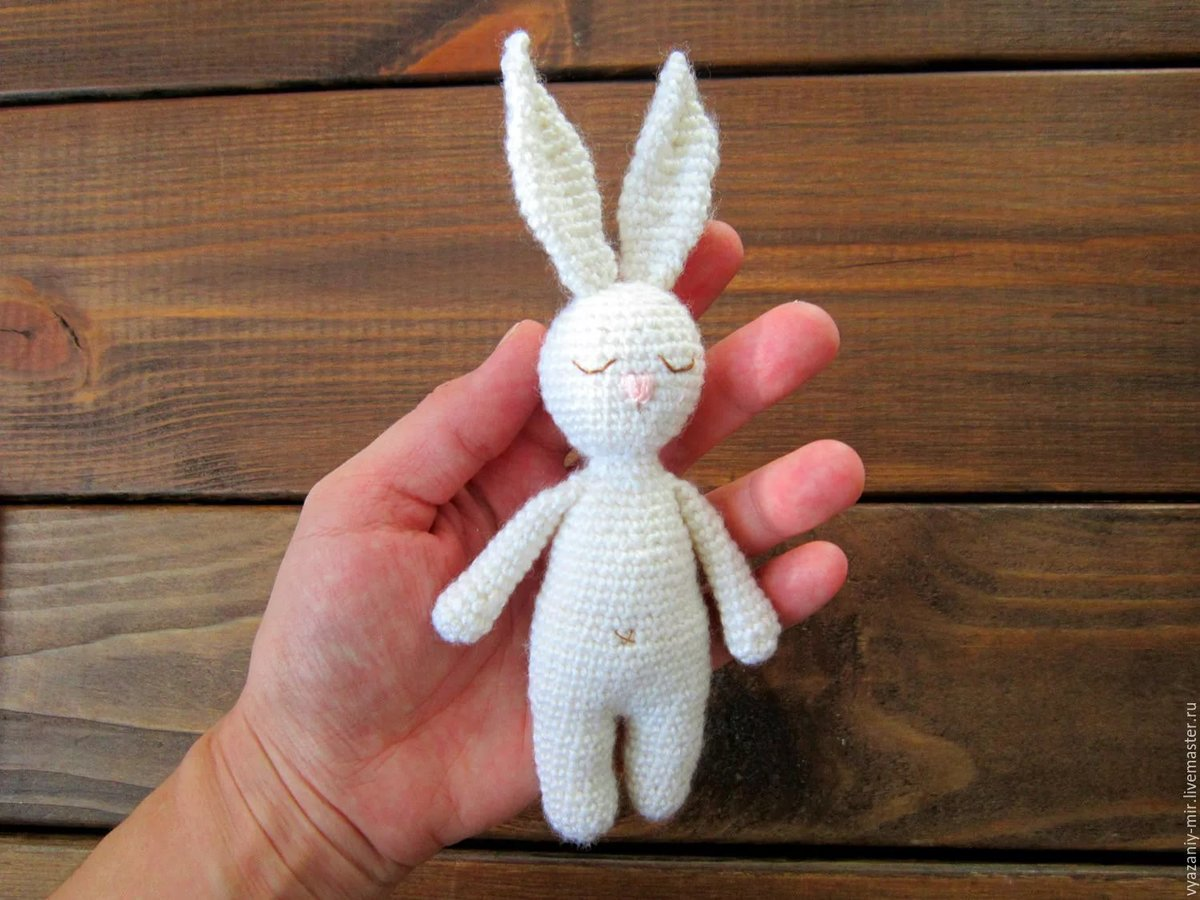 Вязание игрушек для новорожденных крючком 8