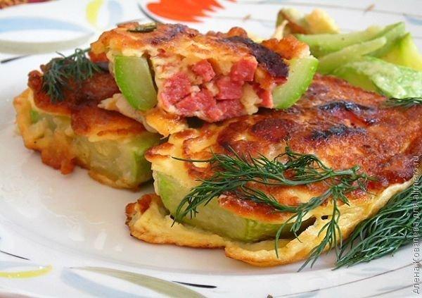 Кабачки фаршированные колбасой с сыром рецепт
