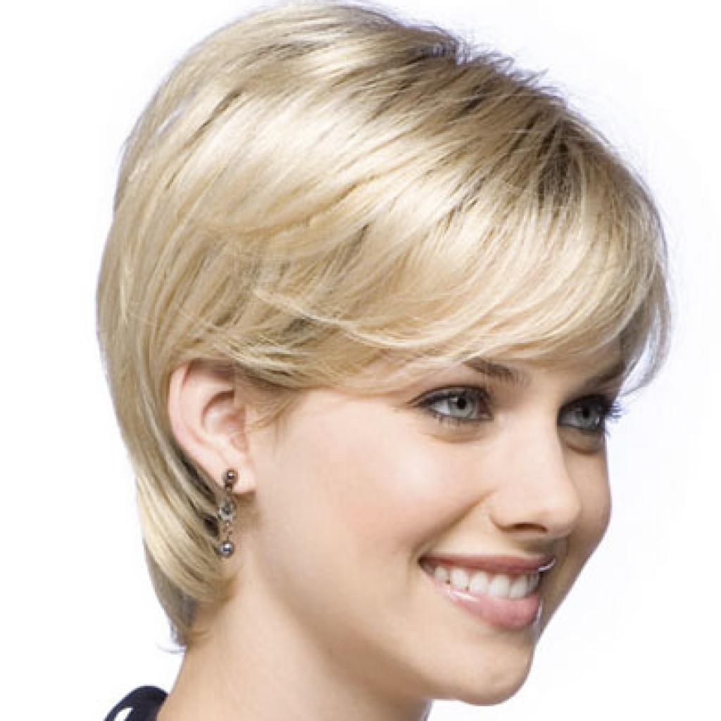 Фото женская модельная стрижка на короткие волосы