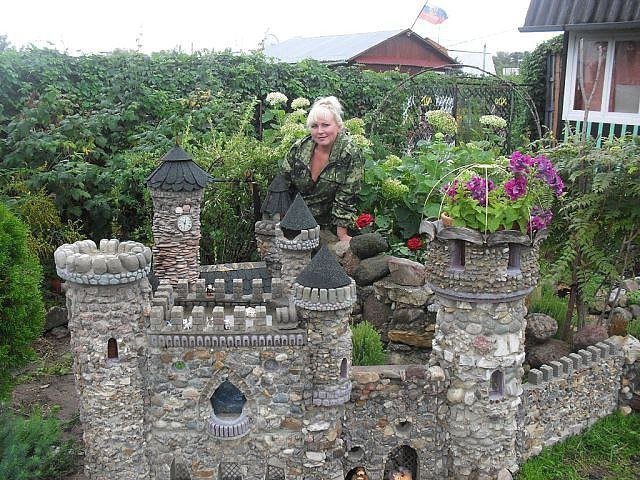 Замки из камней для дачи своими руками 374