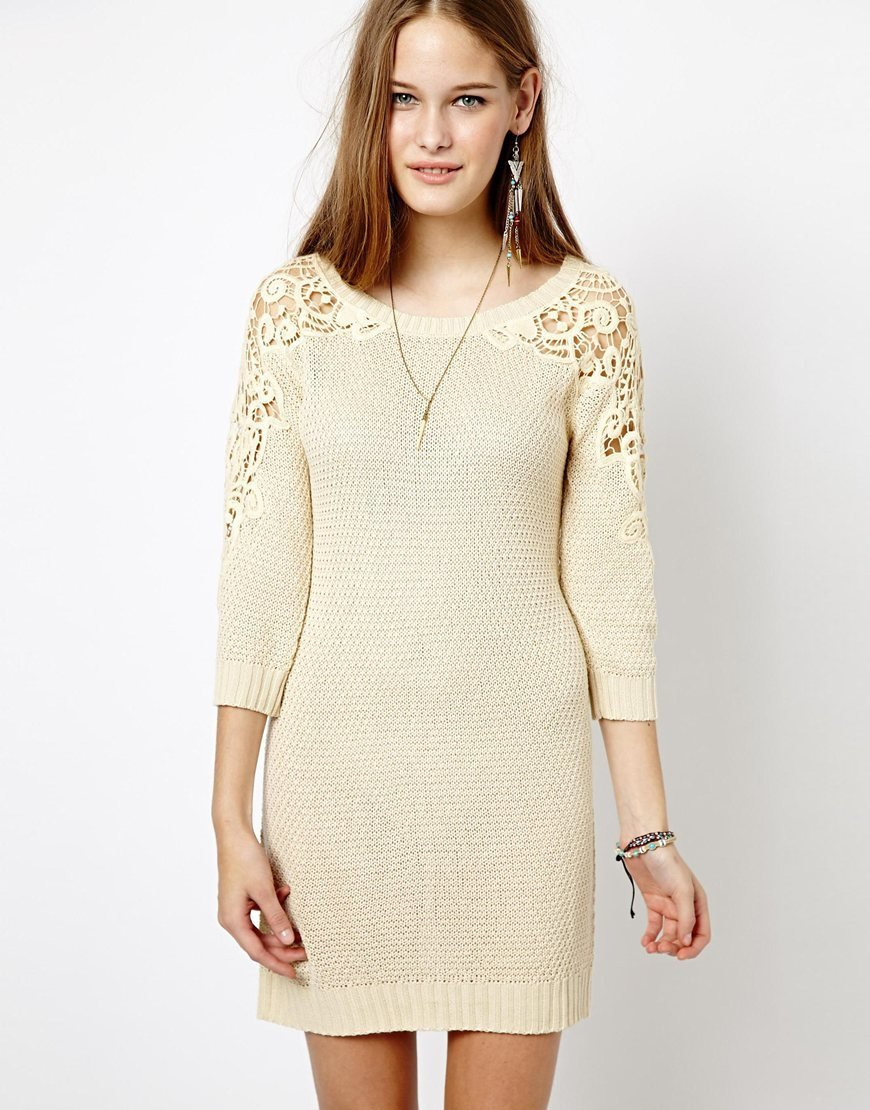 Трикотажные платья с кружевами