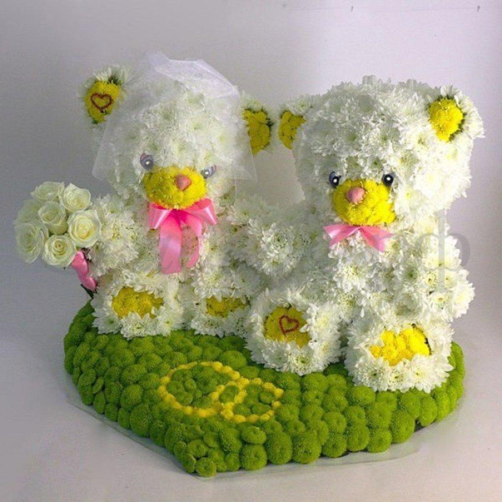 Подарок своими руками на свадьбу из цветов